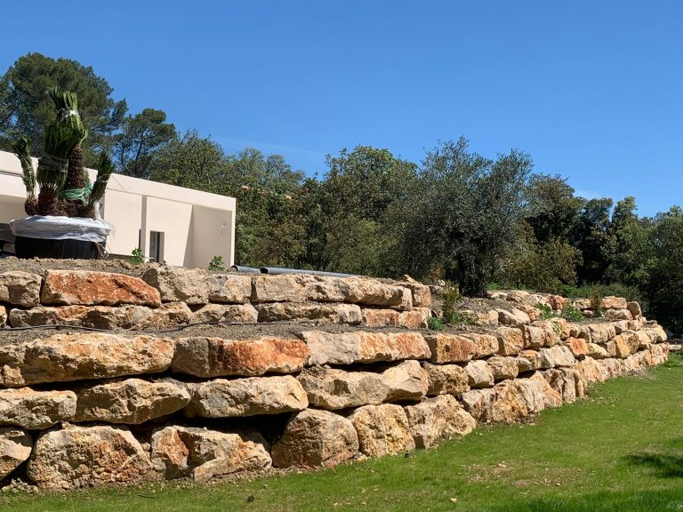 enrochement mur en pierre