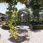 placette jardin provençal avec fontaine manosque