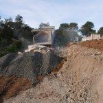 terrassement enrochement mur en pierre benne