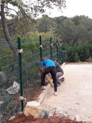 pose de clôture rigide jardin
